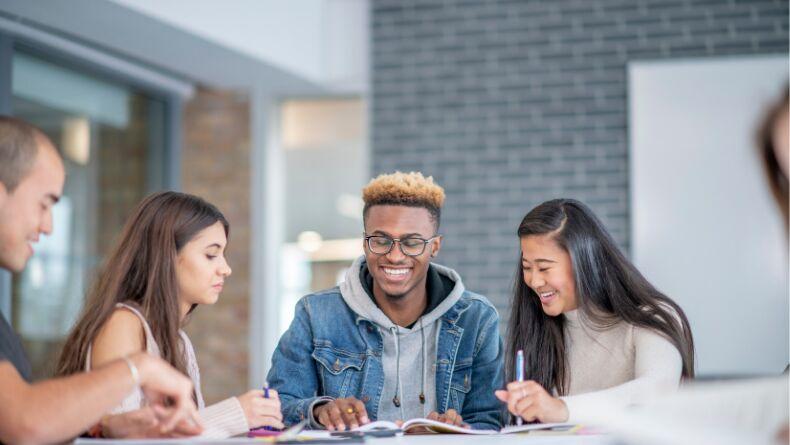 Yurt Dışında Eğitim Almak İçin İzlemeniz Gereken Adımlar