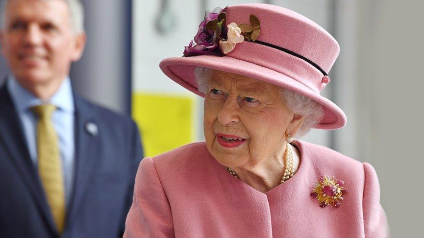 Öğrenci Kariyeri - : Kraliçe II. Elizabeth 7 Ay Sonra İşinin Başında