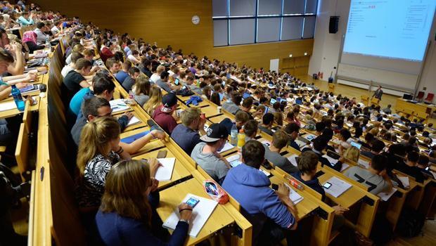 Üniversite Öğrencisi Sayısında Patlama