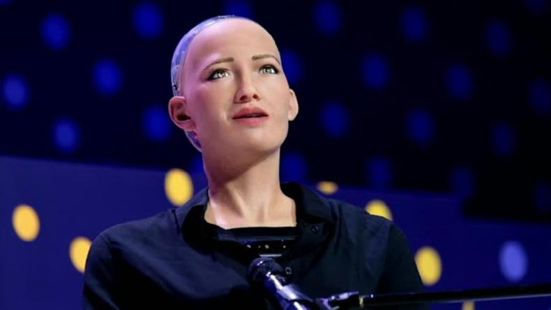 Öğrenci Kariyeri - : Dünyanın İlk İnsansı Robotu Sophia İlk Kez Türkiye'de!