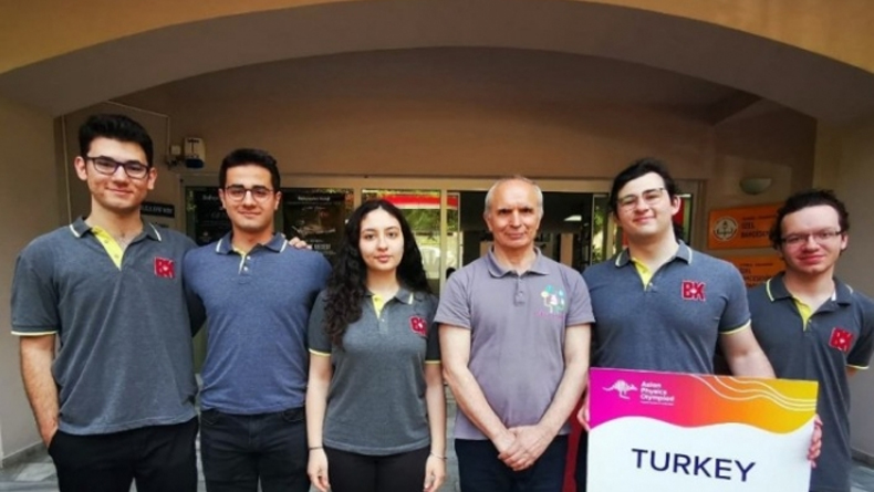 Türkiye Fizik Olimpiyat Takımımız, Uluslararası Fizik Olimpiyatı'nda Ülkemizi Temsil Edecek.