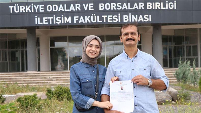 Öğrenci Kariyeri - : Gazetecilik Bölümünü Kazanan Baba, Kızıyla Birlikte Okuyacak