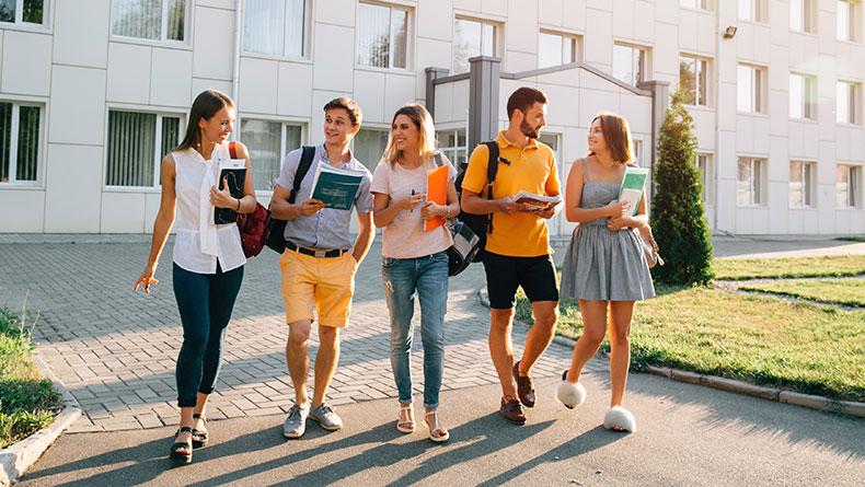 Öğrenci Kariyeri - : 6 Maddede Üniversite Öğrencisi Olmak