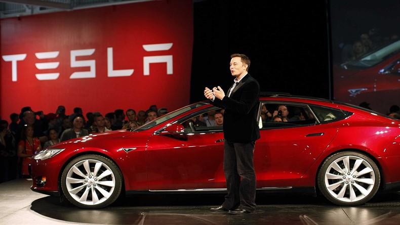 Tesla 'En Güvenli Arabalar' Listesinden Diskalifiye Edildi !!