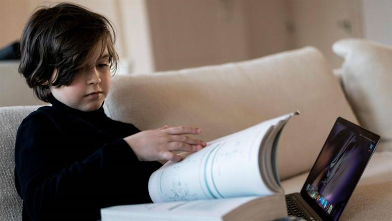 Guinness Rekorlar Kitabı'na Girerek, 9 Yaşında Üniversite Mezunu Olacak