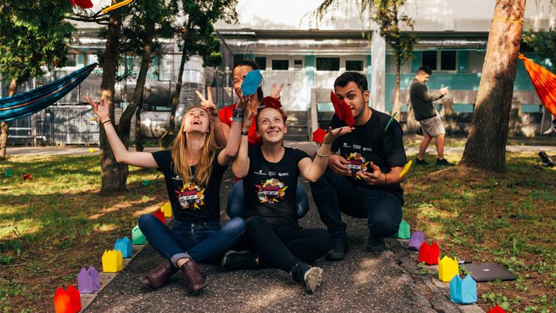 Yurtdışında Eğitim Almak İsteyenler İçin Hayat Değiştiren 5 Burs
