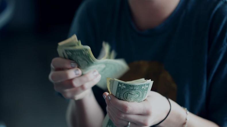 Öğrenci Kariyeri - Gündem: Para Basarak Tüm Borçlarımızı Ödeyebilir Miyiz?