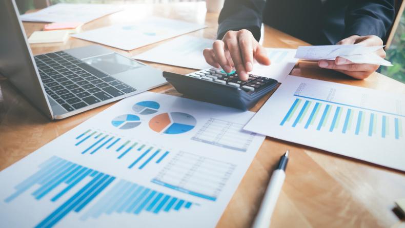 Öğrenci Kariyeri - : Ekonomi Ve Finans İçin Alınabilecek 5 Önemli Sertifika