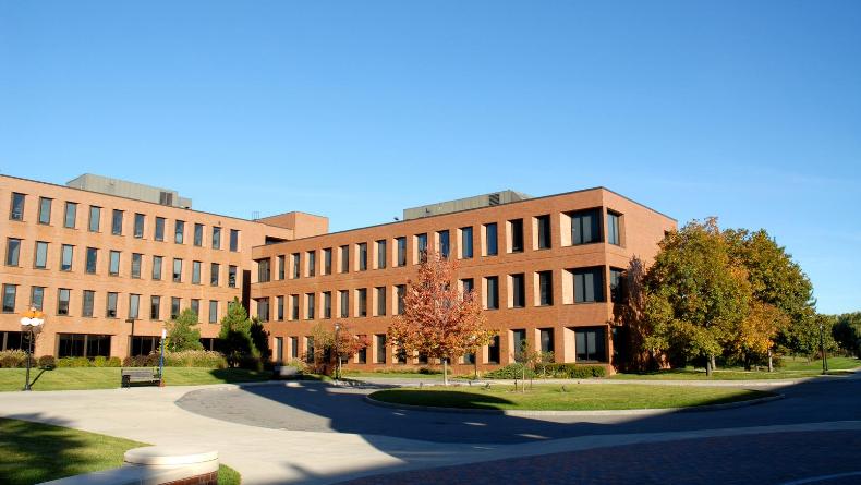 Öğrenci Kariyeri - Meslek Tanıtımları: Mezunları En Hızlı İş Bulan 10 Üniversite