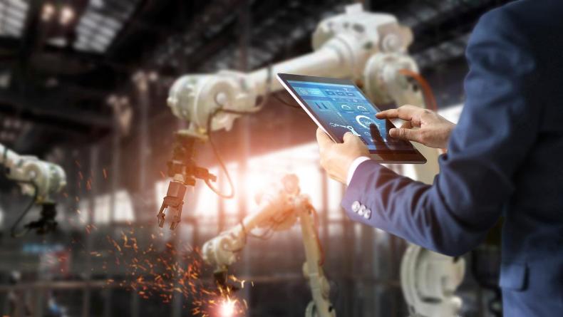 Öğrenci Kariyeri - : Robotların Dünyası Karanlık Fabrikalar