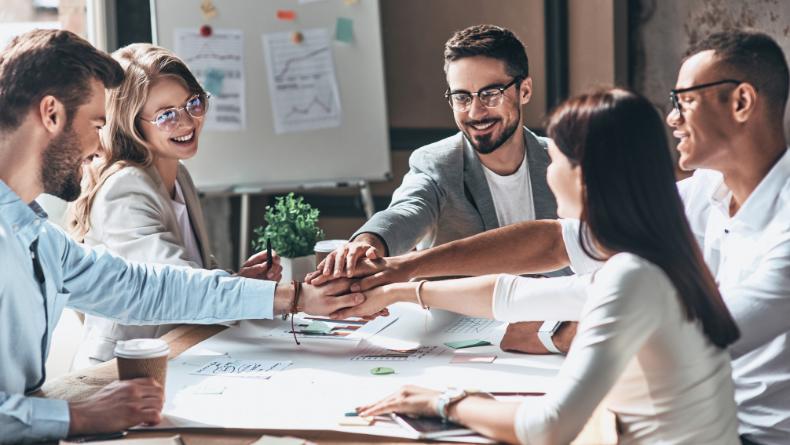 Öğrenci Kariyeri - Kişisel Gelişim: İş Yerinde Mutlu Olma İhtimalimiz: Olumlu İlişkilerin Sırrı