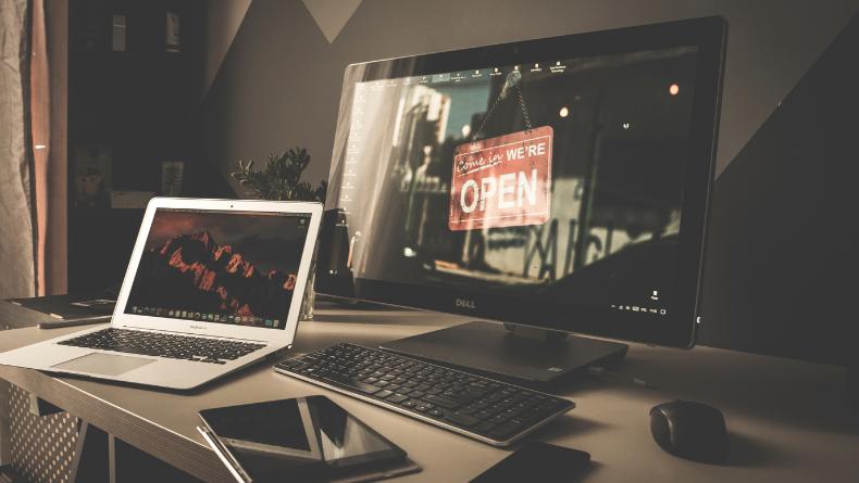 Öğrenci Kariyeri - Teknoloji & Bilim: Kablolu İnternet mi? Kablosuz İnternet mi?