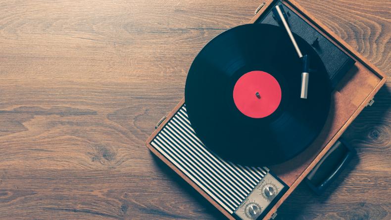 Öğrenci Kariyeri - Kültür & Sanat: Sizi Geçmişe Götürecek 10 Şarkı