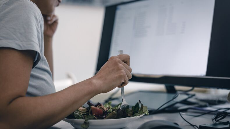 Evden Çalışırken Sağlıklı Beslenmeniz İçin 10 Altın Öneri