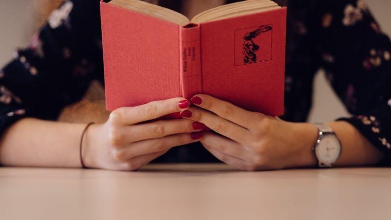 Okuyucularını Bunalıma Sürükleyen 4 Muhteşem Kitap
