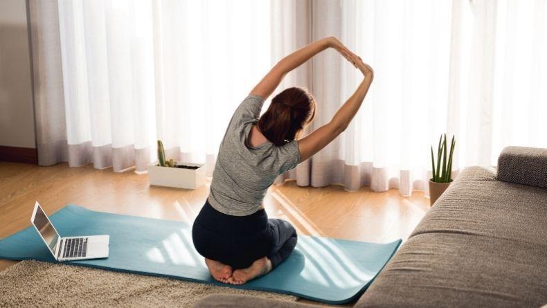 Karantina Günlerinde Evde Yapabileceğiniz Ücretsiz Egzersiz Programları