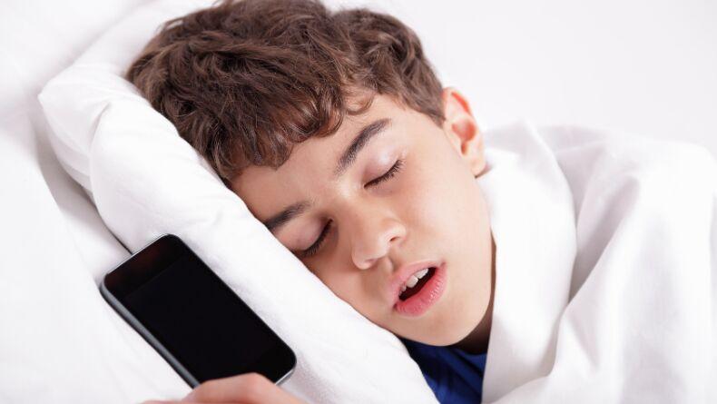 Öğrenci Kariyeri: Nasıl Daha İyi Uyunur?: Teknolojinin Uykumuza Etkisi