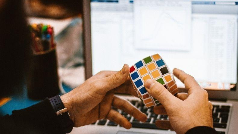 Çözülemediğinde Sinir Küpüne Çeviren Rubik Küpün Tarihi