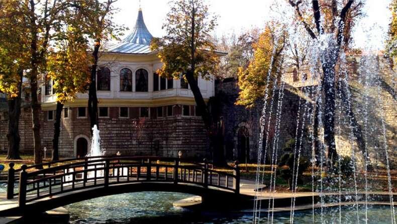Gülhane Parkı'na Yolunuz Düşerse Mutlaka Görülmesi Gereken Yer: Ahmet Hamdi Tanpınar Edebiyat ve Kültür Müzesi Kütüphanesi