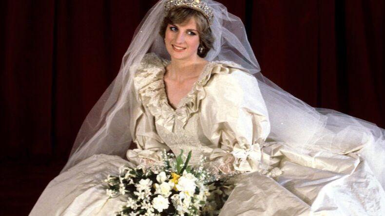 Bir Zamanlar Modanın En Büyük Sırrı: Prenses Diana'nın Gelinliği