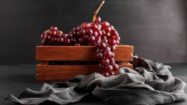 Üzümlerin Birbirine Baka Baka Kararmasının Sırrı Nedir?