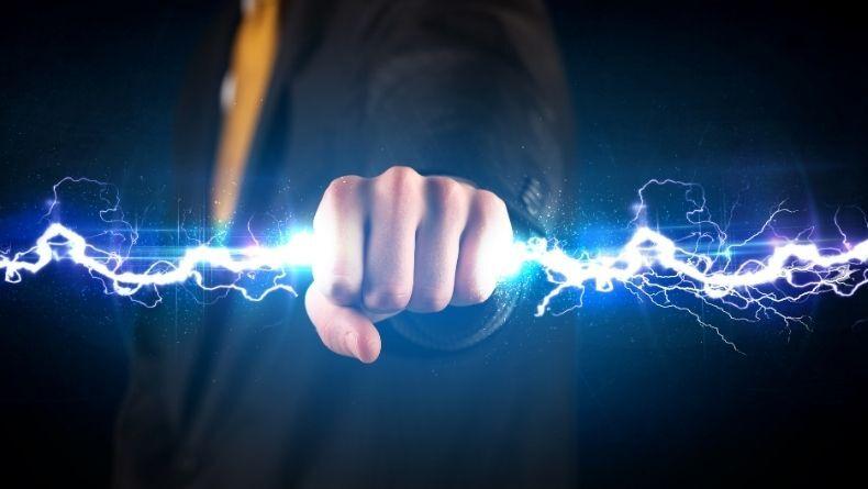 Bir Yere Dokunduğumuzda Oluşan Elektrik Çarpmasının Sebebi!