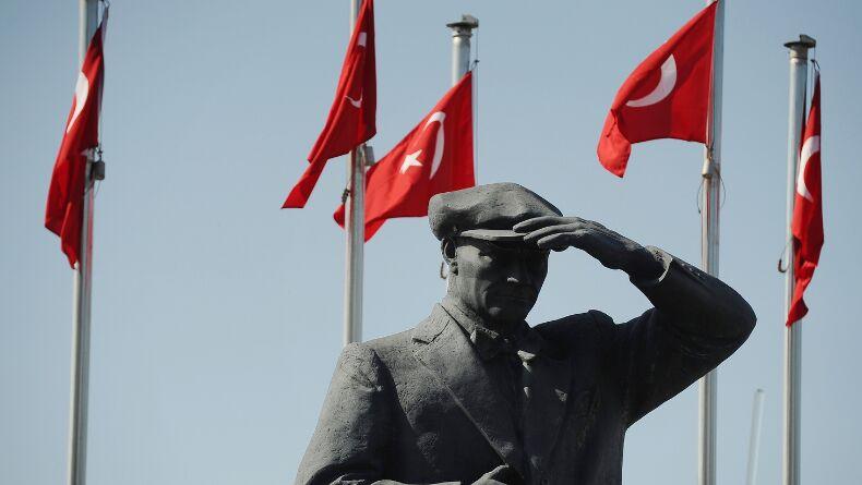 19 Mayıs Özel: Milli Bayramlarımızda Dinleyebileceğiniz Efsane Marşlar!