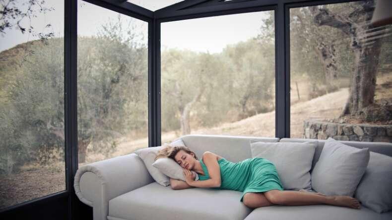 Neden Gün Ortasında Uyumak Faydalıdır?