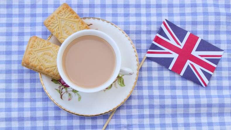 İngilizler Neden Çayı Sütlü İçer?