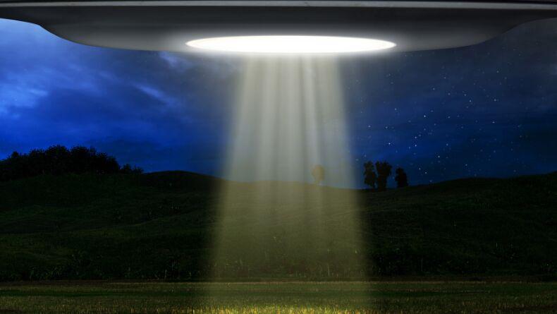 NASA Yayınında Ufo Görüntülendi!