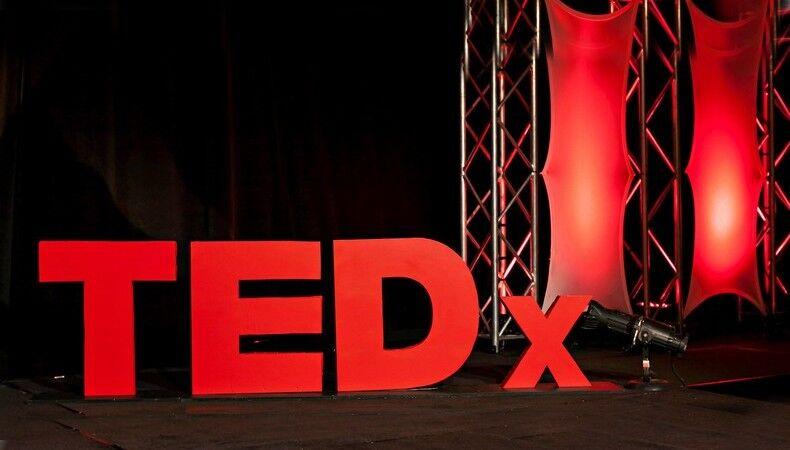 Mutlaka Dinlemeniz Gereken Unutulmaz 5 TEDx Konuşması