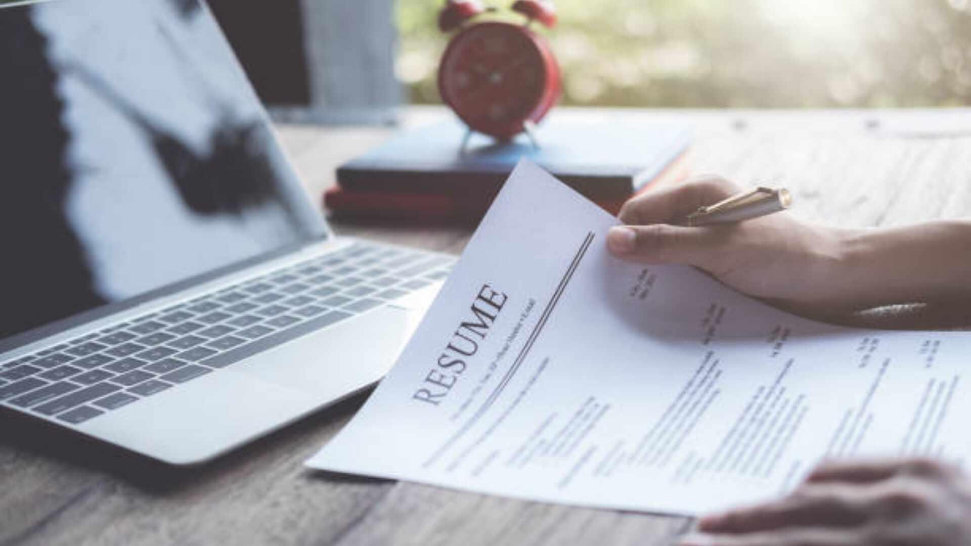 Canva İle Ücretsiz ve Profesyonel Bir CV Nasıl Hazırlanır?