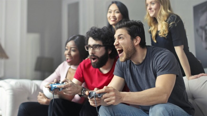 playing-video-games_790x445